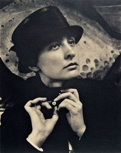Georgia O'Keeffe: A Portrait. (J. Paul Getty Museum/Alfred Stieglitz)