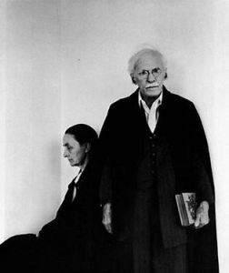Alfred Stieglitz and Georgia O'Keeffe, New York City, ca. 1944. (Howard Greenberg Gallery/Arnold Newman)