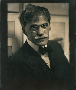 Alfred Stieglitz at 291, 1915. (Metropolitan Museum of Art/Edward J. Steichen)